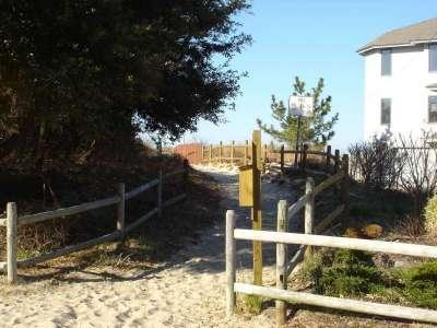 The Bay Breeze Cottage at Lynnhaven Beach - Image 1 - Virginia Beach - rentals