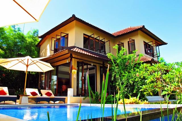 Villa Penyon is a free standing house with expansive views over the water. 3 bedroom with ensuites. - Villa Penyon; 3 bedroom with Pool, Lembongan, Bali - Nusa Lembongan - rentals