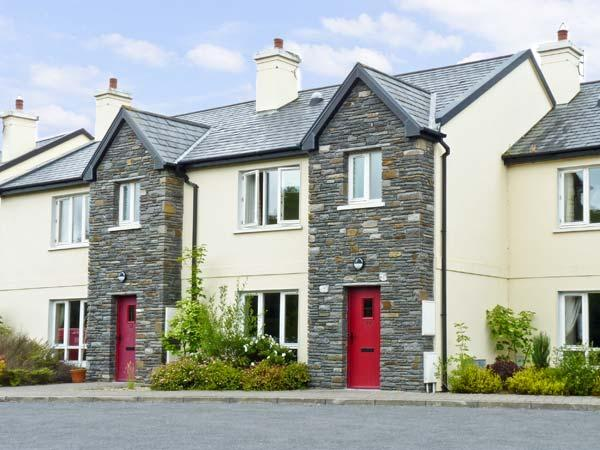 BROOKSIDE, pet friendly, country holiday cottage, with a garden in Bantry, County Cork, Ref 8611 - Image 1 - Bantry - rentals