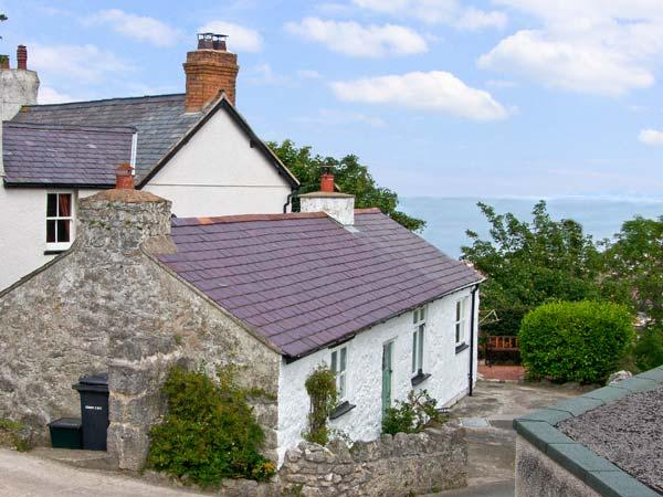 CRAIGLWYD BACH, pet friendly, with open fire in Llandudno, Ref 8492 - Image 1 - Llandudno - rentals