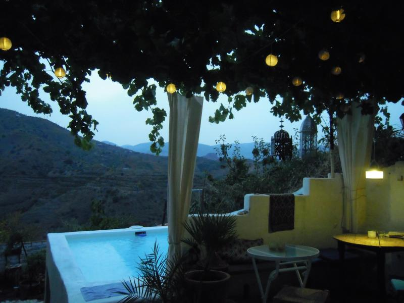 Backyard with pool and view - Ideal place if you are looking for rest, interactions,inspiration. - Moorish Pueblo, Malaga. Art-Pool-Kitchen-Garden - Cutar - rentals
