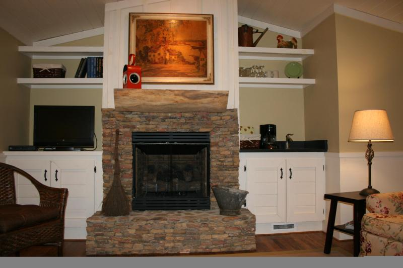 Romance by the Fireplace! - DINNER SERVED TO YOU ON YOUR PRIVATE PORCH! - Cashiers - rentals