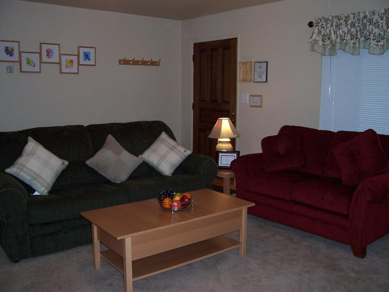 Comfy Cabin for Weekend Getaway - Image 1 - South Lake Tahoe - rentals
