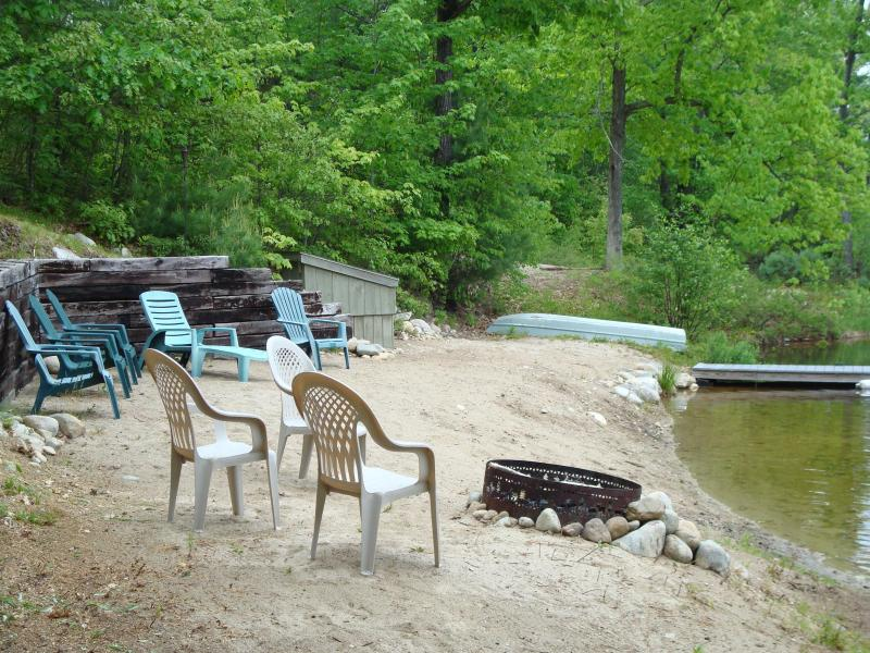 Private Beach - Beautiful Lake Front House on Balch Lake - East Wakefield - rentals