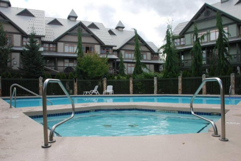 Hot tub and heated pool - Jessica & Gil Rosenfeld - Whistler - rentals