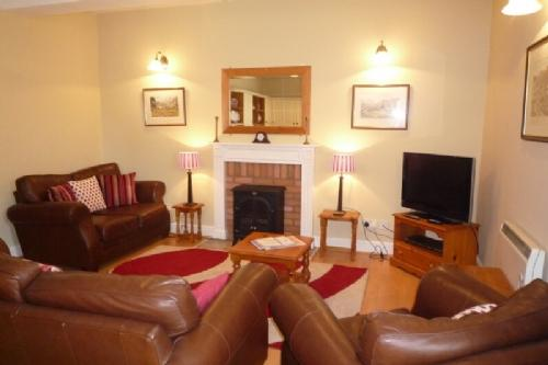 ABOVE COT, Windermere - Image 1 - Bowness & Windermere - rentals