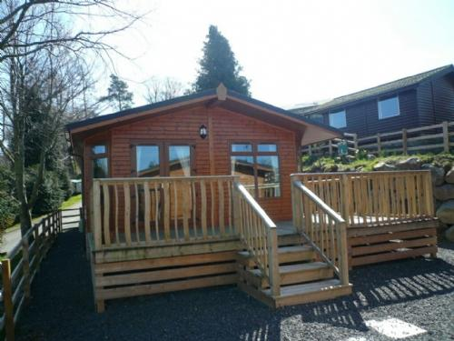 BARTON LODGE, Pooley Bridge - Image 1 - Pooley Bridge - rentals