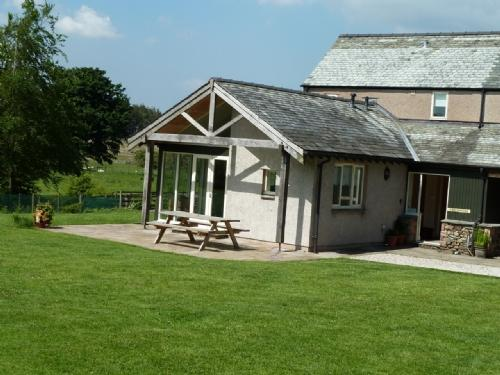 BECKWOOD, Troutbeck, Nr Ullswater - Image 1 - Troutbeck - rentals