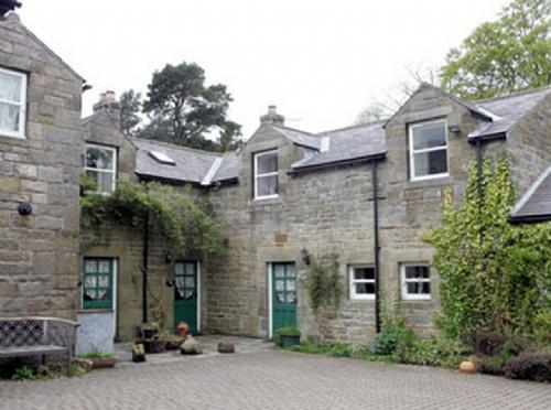 BRIAR COTTAGE,  Nr Alnwick, Northumbria - Image 1 - Alnwick - rentals