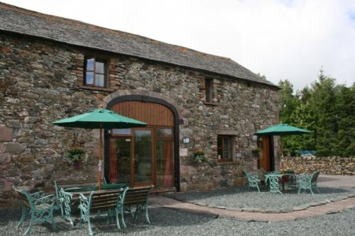 DAISY COTTAGE, Wydon Farm, Nr Ullswater - - Image 1 - Ullswater - rentals