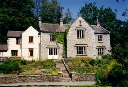 DANES COURT HOUSE, Cartmel Fell, Nr Windermere - Image 1 - Cartmel - rentals