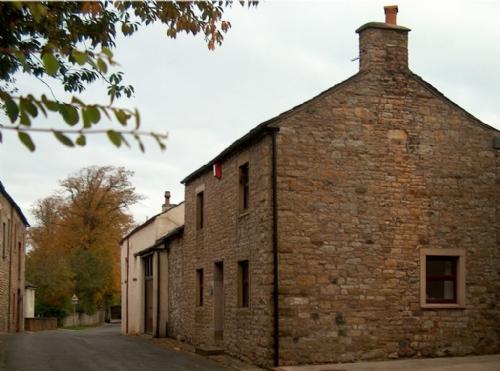 ELLWOOD HOUSE, Caldbeck, Nr Keswick - - Image 1 - Caldbeck - rentals