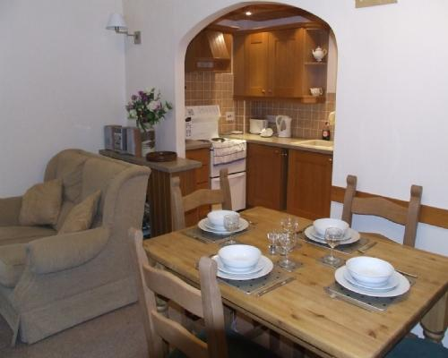 HEATHER COTTAGE, Ambleside - Image 1 - Ambleside - rentals