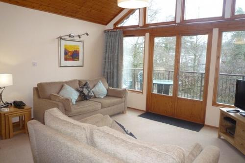 KESWICK BRIDGE 5, 3 Bedroomed, Keswick, Christmas week - Image 1 - Keswick - rentals