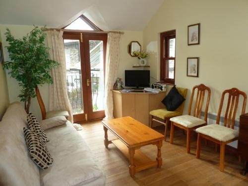 COACHMANS COTTAGE, Ambleside - Image 1 - Ambleside - rentals
