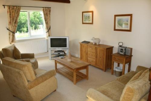WHITBARROW HOLIDAY VILLAGE (26), Nr Ullswater - Image 1 - Ullswater - rentals