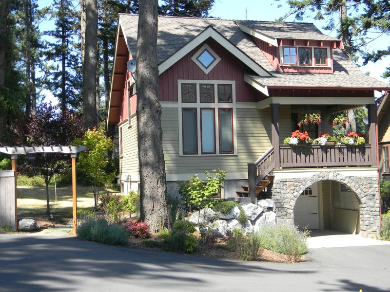 Front of House - Northwest Craftsman Located in the Heart of Town - Eastsound - rentals