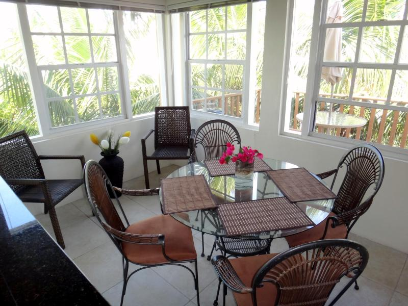 Eating Area - Gem in the Heart of Grace Bay - Providenciales - rentals