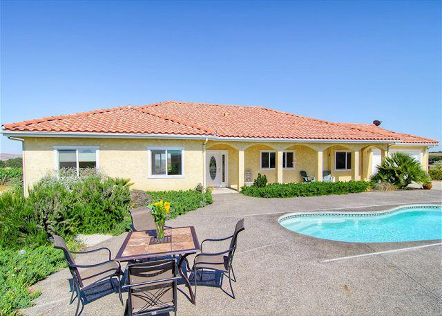 Swimming Pool - Live on top of  Views, Pool, Bocce Ball, Hot Tub, BBQ and Fun! - Paso Robles - rentals