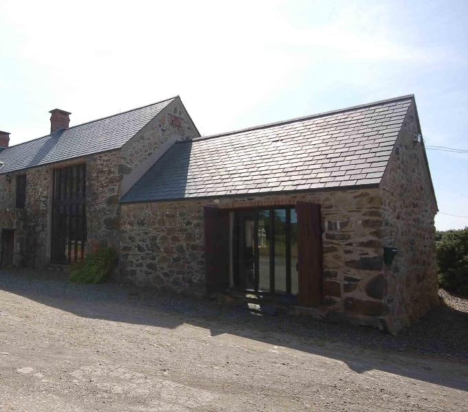 The Barn - The Barn Spacious Cottage for Couples Nr St Davids - Trefin - rentals