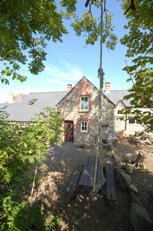 Morawel Rear View - Morawel, Character Cottage, Trefin, St Davids - Trefin - rentals