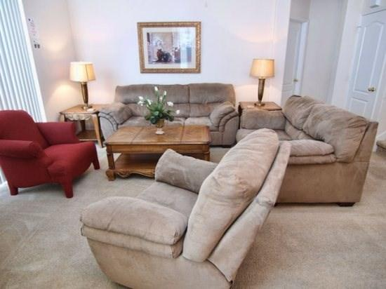 Living Area - TH4P619BD Elegant 4 Bedroom Pool Home Close to Local Amusements - Davenport - rentals