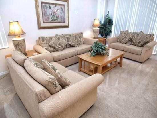 Living Area - TH5P332BD Lovely 5 Bedroom Pool Home Stylishly Furnished - Davenport - rentals