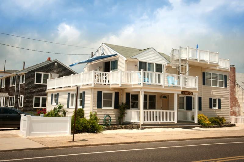 Fishbone - A spacious beach duplex - 6th from Beach | 5BR | Pet-Friendly | Fishbone LBI - Beach Haven - rentals
