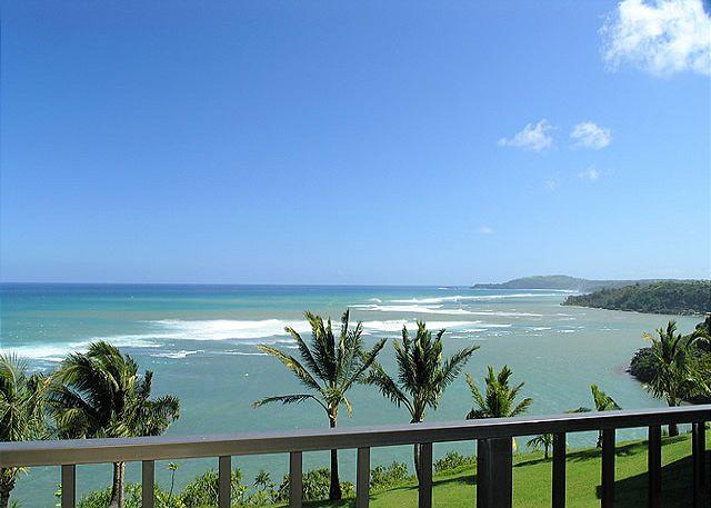 Sealodge H9: King bed, oceanfront views, only top floor condo in the building - Image 1 - Princeville - rentals