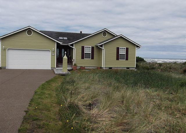 Beach Time R510 Waldport Oregon ocean front vacation rental - Image 1 - Waldport - rentals