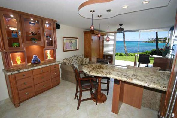Completely Renovated Napili Shores - Enjoy Lighted Breakfront with Art Glass - June 18-24 $99/nt Luxury Ocean Front Napili Shores Washer/Dryer - Lahaina - rentals