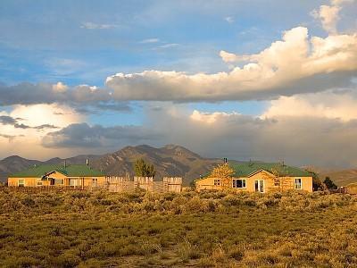 Spectacular Taos Mountain Views - Compound at Stargazer:  Sleeps 19 + Pool Table &.. - Taos - rentals