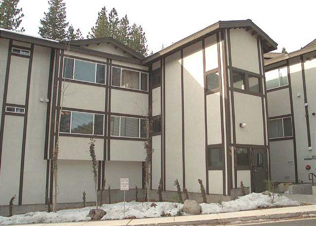 Exterior - Squaw Valley Tavern Inn 44 - Olympic Valley - rentals