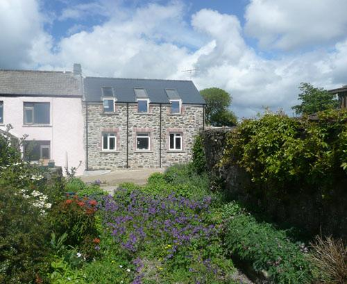 Pet Friendly Holiday Cottage - The Granary, Trecwn - Image 1 - Pembrokeshire - rentals