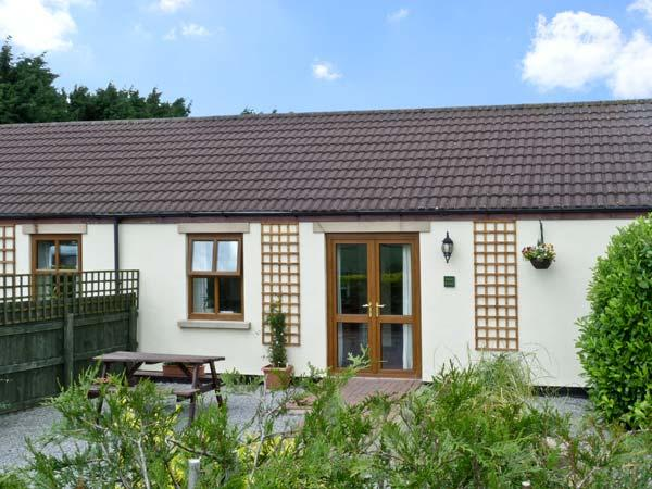 WILLOW COTTAGE, pet friendly, country holiday cottage, with a garden in Caldwell, Ref 6761 - Image 1 - Barnard Castle - rentals