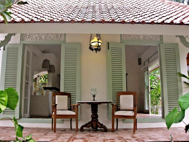 Living Room Verandah - Villa Manis Ubud, Charming and quiet 1BR Villa - Ubud - rentals