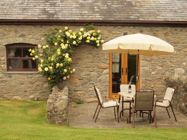 Plas Yw Cottage in Conwy Valley - Image 1 - Tal-y-Cafn - rentals