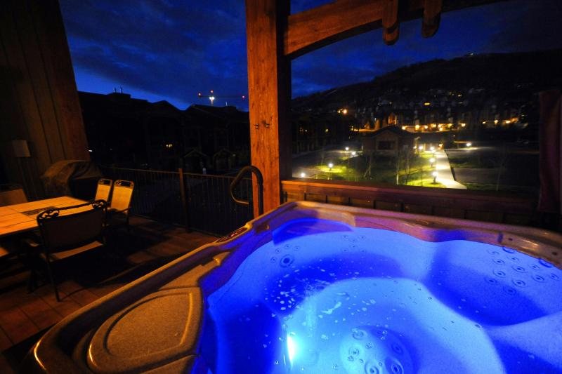 Private Hottub with Mountain Views - Direct Views of the Mtn! Pool Table/Shuffle Board! - Steamboat Springs - rentals