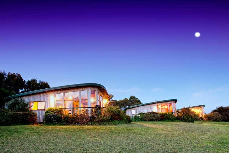 Great Ocean Road Accommodation at The Boomerangs - Image 1 - Johanna - rentals