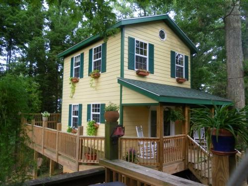 Mimi's Cottage ~ Exterior - Mimi's Cottage - Asheville - rentals