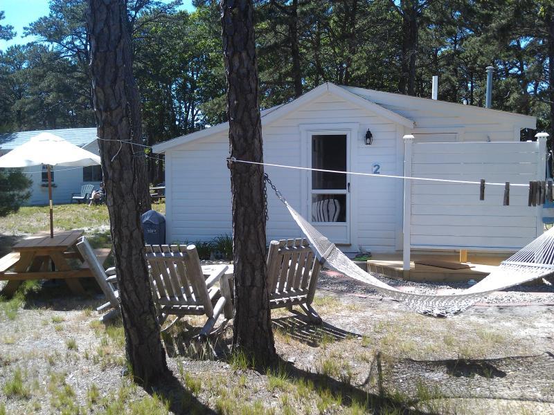 Outdoor shower - Welfleet Cottage, Brownies Cabins, Cape Cod - Wellfleet - rentals