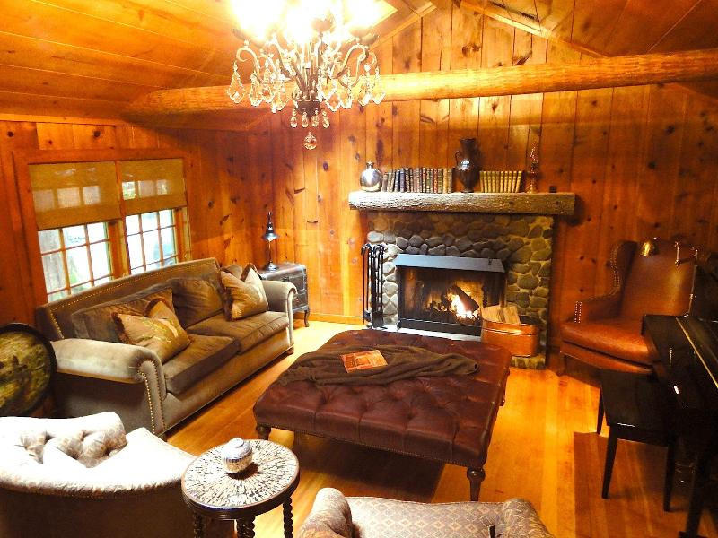 Living Room - Enchanted Mt Hood Retreat *** Luxury Escape! - Welches - rentals