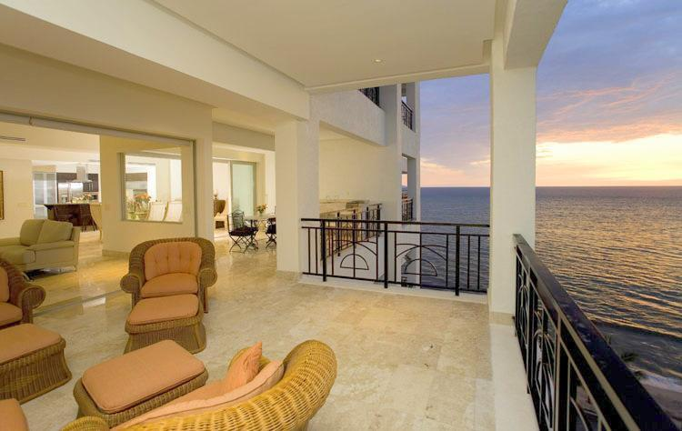 Spacious terrace for spectacular views!! - Oceanfront Luxury in the Heart of Puerto Vallarta! - Puerto Vallarta - rentals