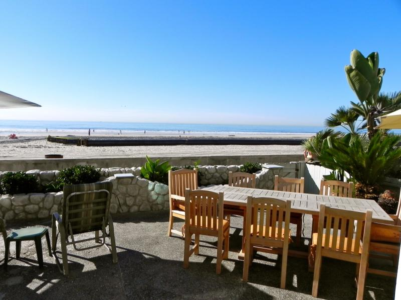 Front Patio - The Big Beach House! - Pacific Beach - rentals