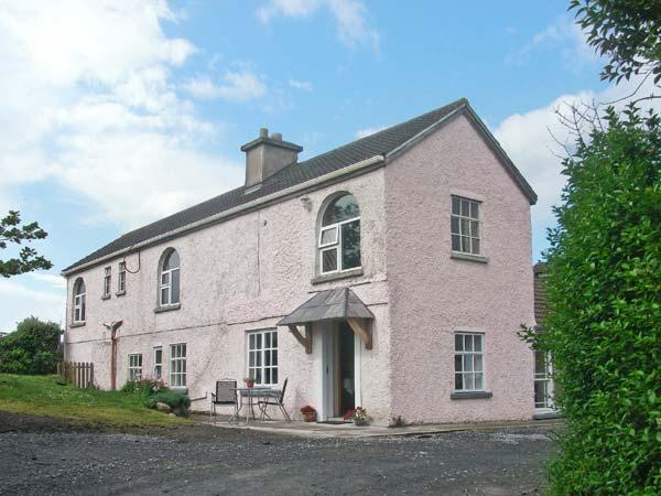 FUCHSIA HOUSE, family friendly, with a garden in Tully, County Galway, Ref 8451 - Image 1 - Tully - rentals