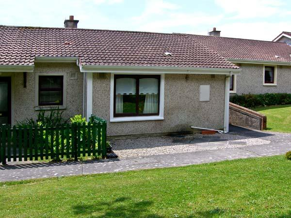 NO 16 LAKELANDS, pet friendly, with a garden in Tramore, County Waterford, Ref 4676 - Image 1 - Tramore - rentals