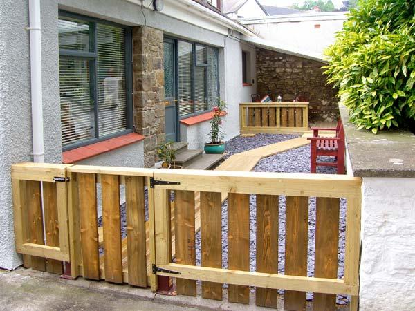 BREWERY COTTAGE, family friendly, with a garden in Saundersfoot, Ref 9675 - Image 1 - Saundersfoot - rentals