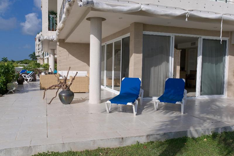 Exclusive location, Serene Surroundings - Image 1 - Simpson Bay - rentals