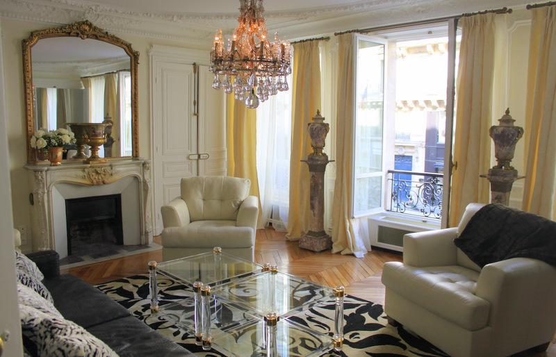The living room in the daytime. - Luxury Vacation Rental in the Heart of St Germain - Paris - rentals