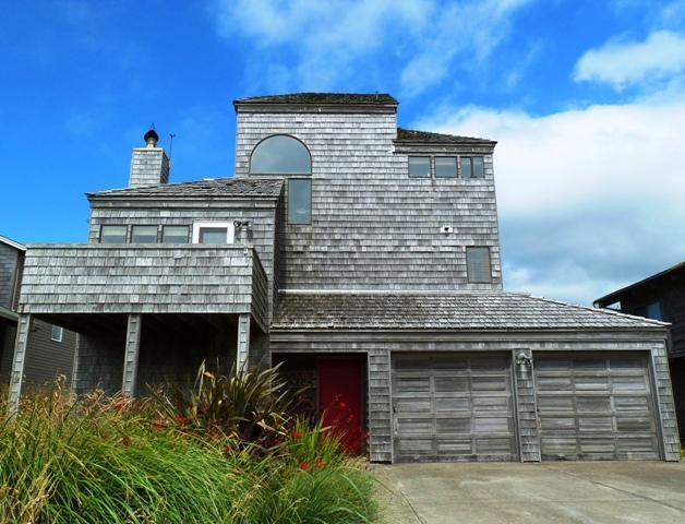 """The Beach House - Ocean & Mountain Views! """"The Beach House"""" - Manzanita - rentals"""